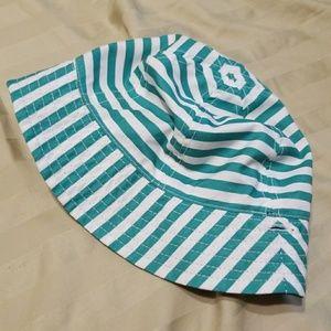 Reversible infant hat